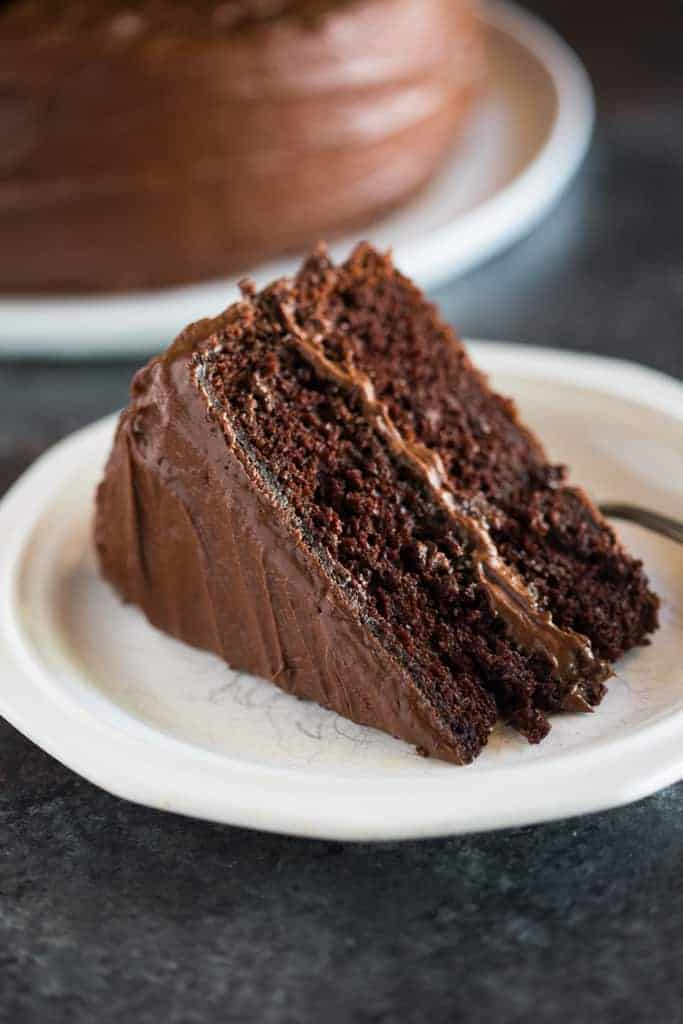Easy Recipe Chocolate Moist Cake