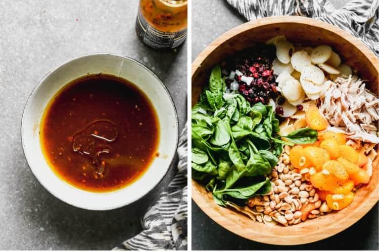 Vinaigrette teriyaki dans un bol à côté d'un bol de service avec les ingrédients pour la salade de pâtes teriyaki.