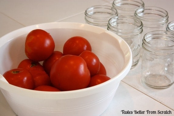 A bowl filled with tomatoes.