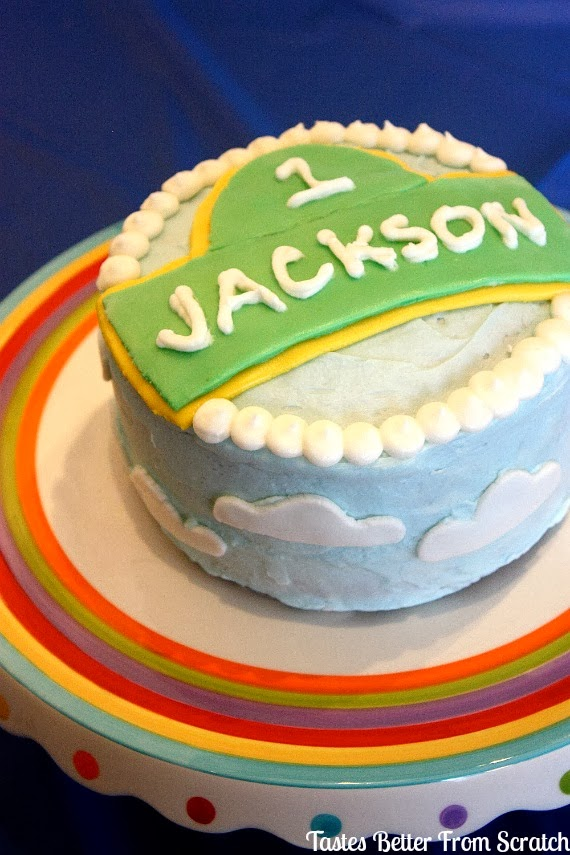 A one year old birthday cake that says Jackson.