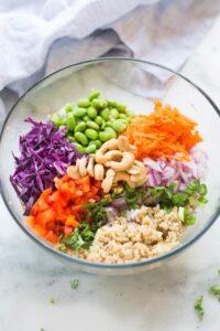 Thai quinoa salad with all of my favorite fresh, colorful veggies! tastesbetterfromscratch.com