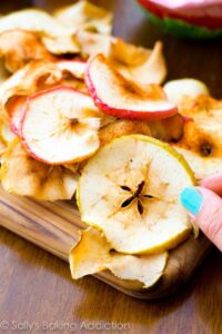 Baked-Cinnamon-Apple-Chips
