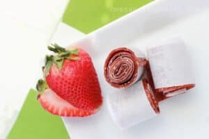 strawberry-fruit-roll-ups