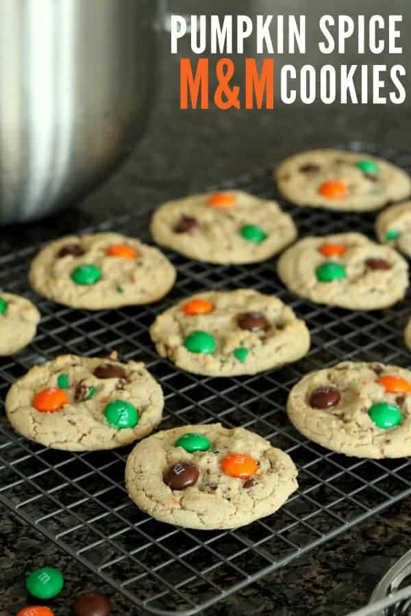 Delicious-Pumpkin-Spice-MM-cookies-on-lilluna.com-