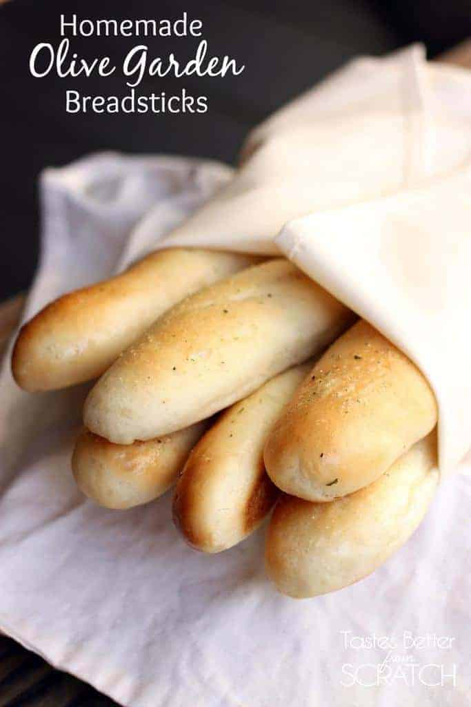 Homemade Olive Garden Breadsticks recipe on http://tastesbetterfromscratch.com