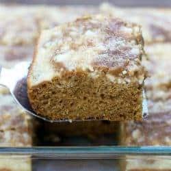Pumpkin Roll Cake--tastes kist like a classic pumpkin roll, without all the work! On TastesBetterFromScratch.com