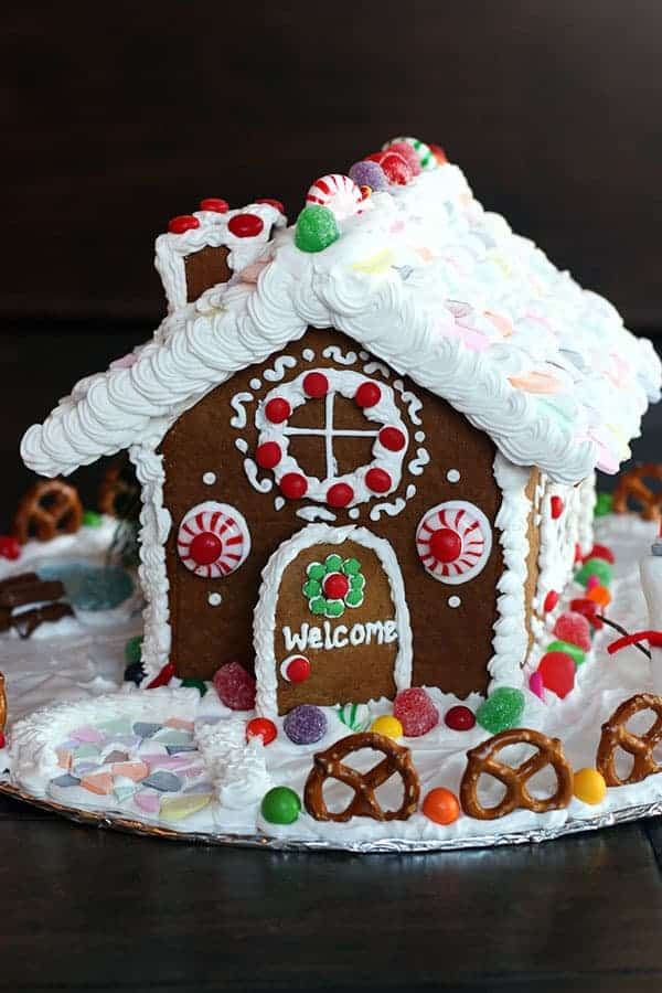How to make a homemade gingerbread house tastes better for How do you make a gingerbread house