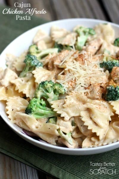 Cajun Chicken Alfredo Pasta is a easy pasta dish with chicken, broccoli,and parmesan cheese served over your favorite type of pasta. | tastesbetterfromscratch.com