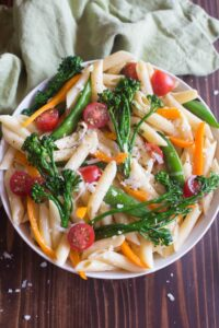 "Pasta Primavera or ""spring pasta"" is the perfect easy dinner recipe that's healthy too! With a creamy parmesan sauce, penne pasta and fresh vegetables this dinner is a winner! tastesbetterfromscratch.com"