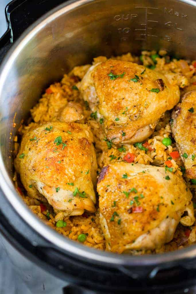 Arroz con pollo in an instant pot.